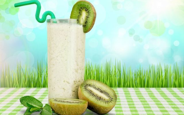 Kiwifruit & Strawberry fruit juice